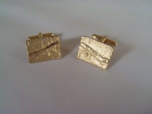 Unieke 14 krt gouden manchetknopen, met levendige struc